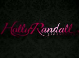 ريد رايلي الحلو جميل في مشد أسود، مع الكعب العالي تحب اللعب معها.