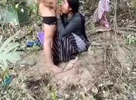الجنس هو السلوك الوحيد الذي يجعل هذه الأطفال يخلطون عندما يرون قضيب شديد في أفواههم.