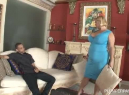 ينضج مفلس ناضجة من قبل رجل تحب كثيرا، والاستمتاع به.