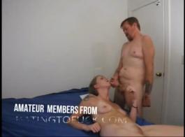 كان وزير مثير يصرخ بصوت عال من المتعة أمام رئيسها بينما كان لديهم ممارسة الجنس الشرجي لطيف.