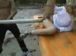 شقي الكلبة عاهرة ليو الحصول على مارس الجنس مع الديك الأسود السمين التي تمتص أصدقائها الديك الساخن والحصول على قضيبه الصعب كبير في الداخل!