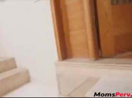 كوغار أمي مارس الجنس بواسطة أبناء صديق