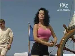 سكس كارينا كابور الممثل مع أي شخص