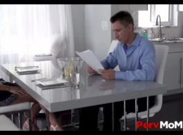 سكس ابن ينيك امه مترجم دندنها
