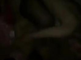 مثير الثلاثي من فاتنة مثليه الآسيوية العنبر خفيفة، جيليان تافويا في ملابس داخلية مثيرة تشويه بعضها البعض في حرارة رغبتهم وذهب مجنون في العربدة الشديدة لعقهم والإصبع عاهرات شعرهم الشعر