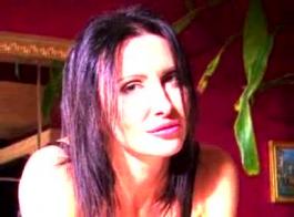 جوانا سكاي إغراء أفضل صديق لها وكان ممارسة الجنس معه على الشرفة، في شجرة عيد الميلاد.