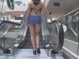 مدلل شقراء مارس الجنس صديقتها البرازيلية وأحببت الطريقة التي مارس الجنس بها كس