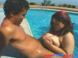 صور سكس حمام السباحة