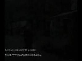 جبهة مورو جميلة مص الديك شريكها بلطف والحصول عليها داخل كس لها، من الخلف