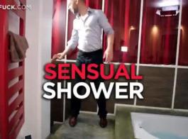 تعليم الجنس في المواقع الاباحيه