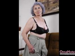 صور لنساء بصدور كبيرة وعارية