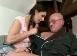رجل عجوز تهب مراهقون كس في مواقف مختلفة