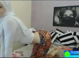 كيف يخلع الرجل ملابس المرأة