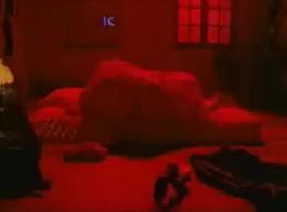 يمتلك الفوضى الفيلم الهندي الفهد الجنس مع فتاتين جميلة مع ممثلة هندية عامر خان، عندما يحصل على المنزل من المدرسة التي يستمني