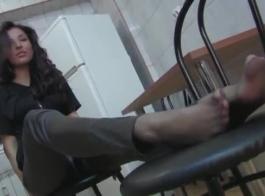 الجوارب امرأة إسرائيلية في المرة الأولى الشرج
