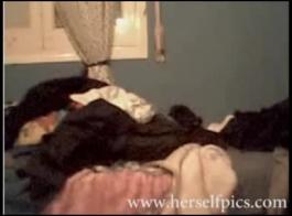 اثنين من فاتنة مثليه الماهرة تفعل العلاج دسار.