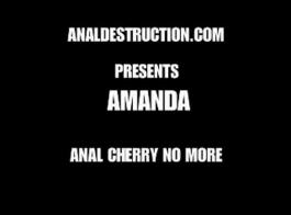 أماندا تمتص ديك صخرة صلبة والحصول على مارس الجنس في الخلف لأنها تحب ذلك كثيرا.