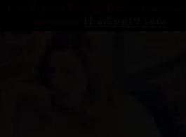 جبهة مورو الإسلامية شقراء ناتجة في جوارب سوداء تعمل بمثابة مدلكة وغالبا ما يكون لها جنس عارضة.