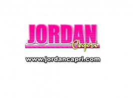 طلب جوردان الأردن صديقتها أن يمارس الجنس معها وأعطاه أفضل أداء لها في السرير.