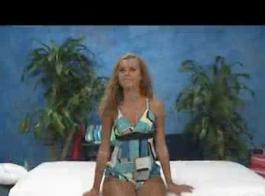 جيسي هي امرأة سمراء شقي يحب ممارسة الجنس مع صديقها الجديد، في كثير من الأحيان.