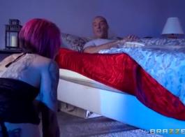 ستوكس شقراء مفلس يأخذ نائب الرئيس من حبيبها.