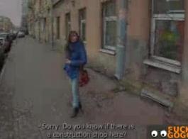 تنتشر في سن المراهقة مفلس التشيكية ساقي مفتوحة على مصراعيها والحصول على الديك محشوة مع ديك.